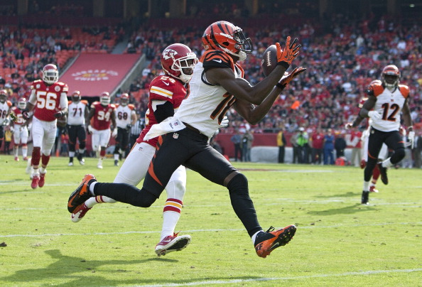 Bengals Use Early Fake Punt to Blast Past Chiefs 28-6