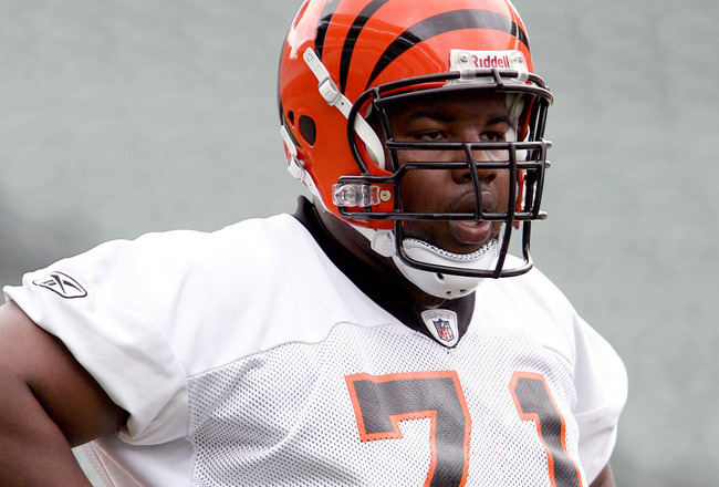 Bengals lineman is arrested with gun at airport